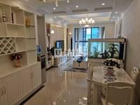 二桥沃尔玛滨江华城3A区 精装修三室两卫名牌家具 拎包入住 欢迎各位随时看房