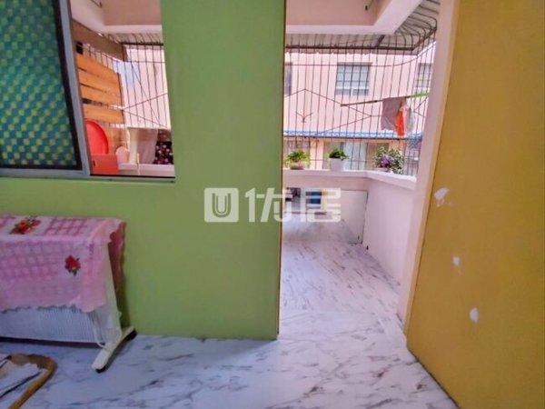 出售涪园小区一套售房,房子特别漂亮临江房可拎包入住