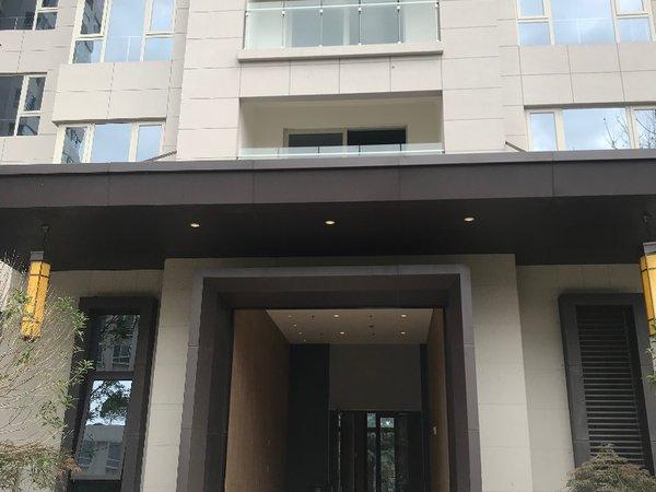 出售金鹏龙溪谷二期金融财富中心3室2厅2卫154.18平米90万住宅