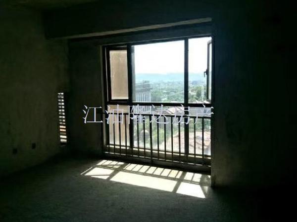龙溪谷品质小区,清水大3室,小区环境优美,停车方便,