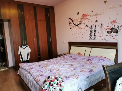 二桥片区 印象附近 中等装修三室 配套齐全 价格美丽 拎包入住