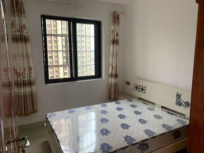 中央大道片区精装房 首次出租 东西齐全 拎包入住 房东人很好 随时可以看房!