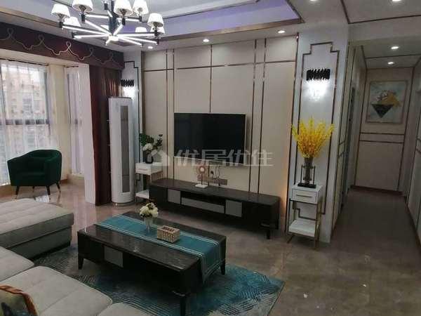 二桥片区 精装三室 家具家电齐全 拎包入住 可按揭 产证清晰 婚房装修 学区房