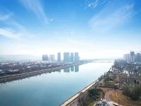 江油第一楼盘,公园里面超大平层观江房。欢迎来电咨询,可享受渠道优惠。