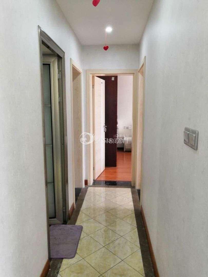 3室2厅1卫18000,封闭小区,随时入住