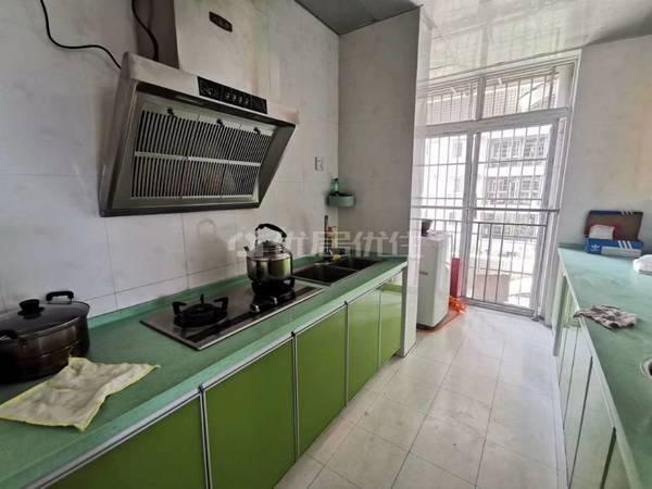 出售滨江西苑3室2厅2卫109平米59万