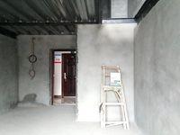 星港湾LOFT公寓 一共两层 让你体验不一样的楼房感觉 使用90多个平方