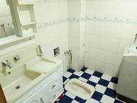 出租公园小区3室2厅2卫133平米900元/月住宅
