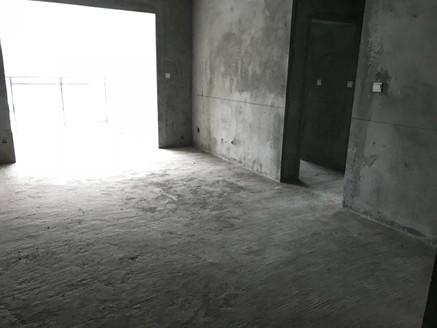 中央大道一期 清水电梯2室 钥匙在手 方便看房!