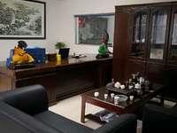 滨江华城大三室两厅2楼户型方正采光好,均价3000,捡老期哦手慢无哦。