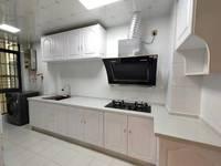精装修,家具家电齐全。不动产权证在手,欢迎看房17688677291