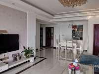 急售K929宝龙广场附近126平米3室2厅2卫精装还带大平台