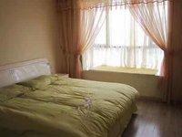 上海城名人苑60万元111 2室2厅2卫2阳台精装,可改3室