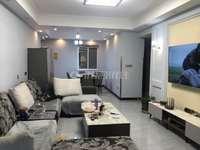 出租华丰桥圣名公馆电梯房,3室精装,拎包入住。