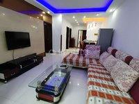 朗悦湾精装修2室1厅,不止价格够低,地段也非常好,拎包可入住。