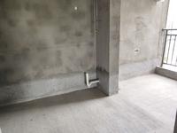 二桥片区滨江华城三室震后清水房子看起可小刀,钥匙在手