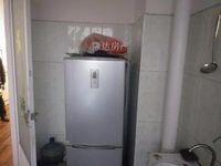 五建司套一电梯装修房,房东诚心出售,欢迎看房