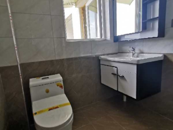 三桥片区,上海城三期精装修,客厅超大气,厨房空间大,南北通透